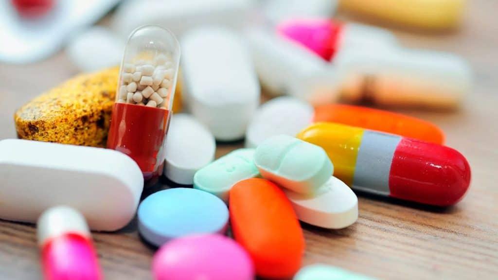Прием медикаментозных средств - причина задержки месячных на 10 дней