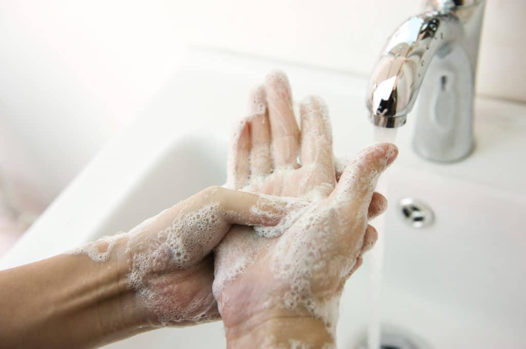 Мытьё рук после полового акта