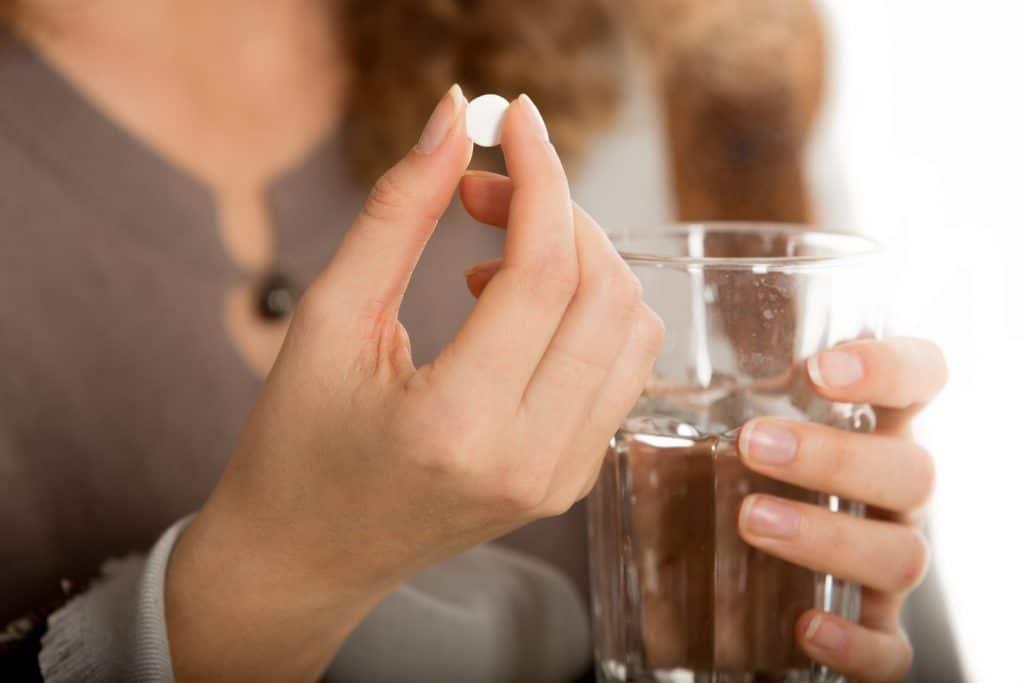 Прием противовирусных химиотерапевтических препаратов