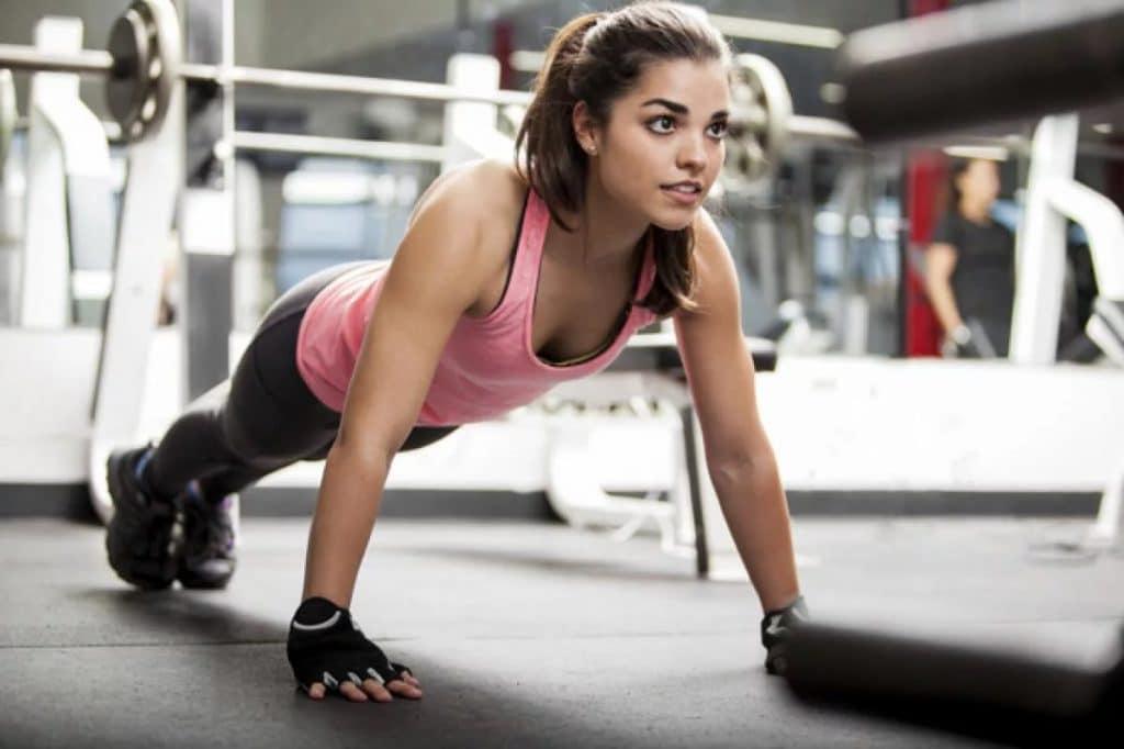 Можно ли заниматься спортом во время месячных - советы и рекомендации