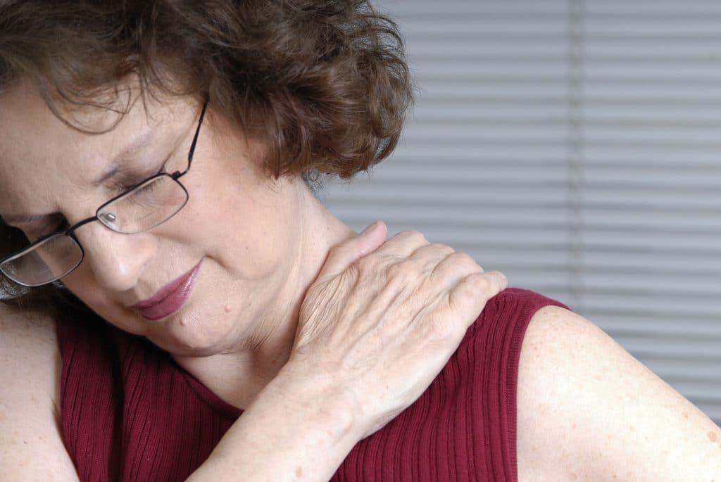Почему болят суставы при климаксе что делать как лечить