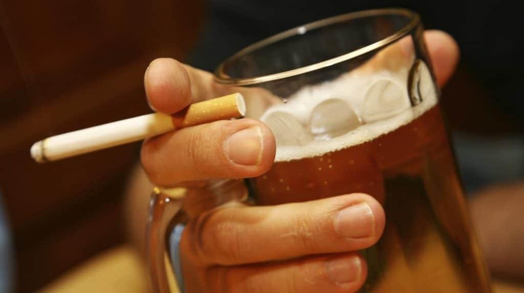 Необходимо воздержатся от алкоголя и курения