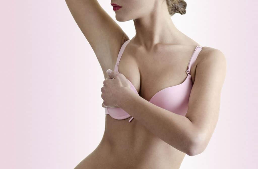 Боль в груди при климаксе: норма или патология