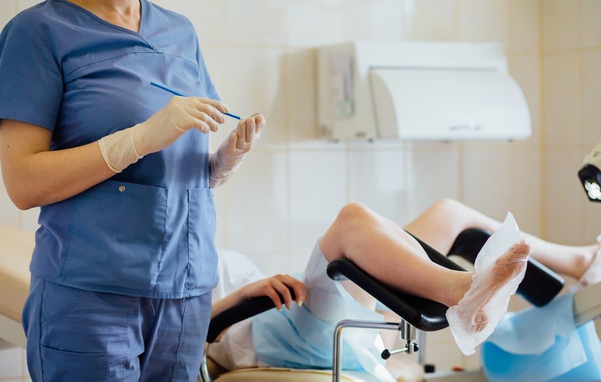 рады мужская гинекология фото брюнетка длинной